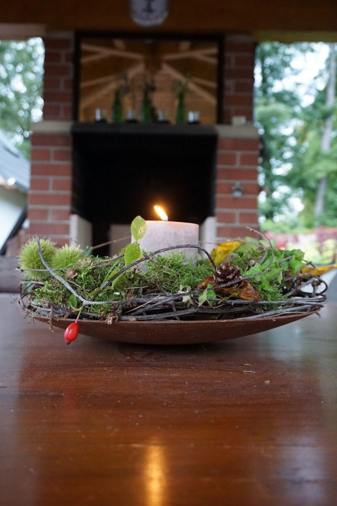 Schale zum dekorieren und verzieren mit Blumenschmuck